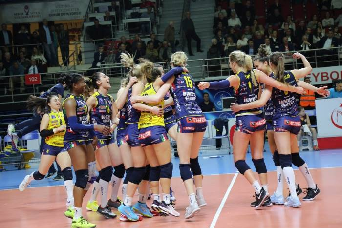Champions League femminile: impresa di Conegliano in Turchia, batte l'Eczacibasi al Golden set e va in semifinale