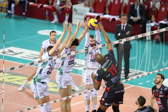 Play Off Scudetto maschili: in gara 2 delle Semifinali vincono Modena e Civitanova