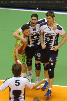 Cev Cup: Latina vince 3 a 0 a Unterhaching. Challenge Cup: Piacenza corsara in Bulgaria