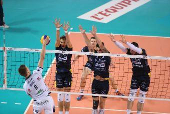 I francesi del Tours battono Trento al Golden set e vincono la Coppa Cev