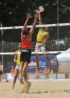 Il campionato italiano di beach volley a Cesenatico