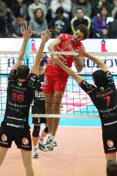 In Champions League maschile Piacenza supera Macerata al Golden Set e conquista il pass per i PlayOffs a 6