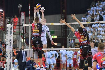 Play off semifinali scudetto maschili: in gara 3 Perugia batte Trento al tie break, domenica Civitanova-Modena. Le gare dei Quarti di Finale Ritorno dei Play Off Challenge
