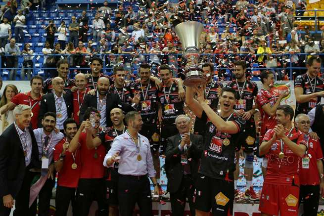Superlega al via