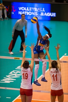 Volleyball Nations League Femminile: l'Italia batte la Serbia al tie break, mercoledì affronta l'Olanda